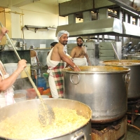 Serving to Thousands in a Day in India's Mega Kitchens