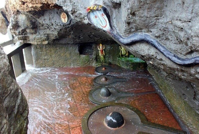 Gangeshwar Mahadev Temple daman and diu