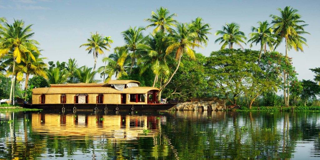 backwater munnar kerala houboat for honeymoon