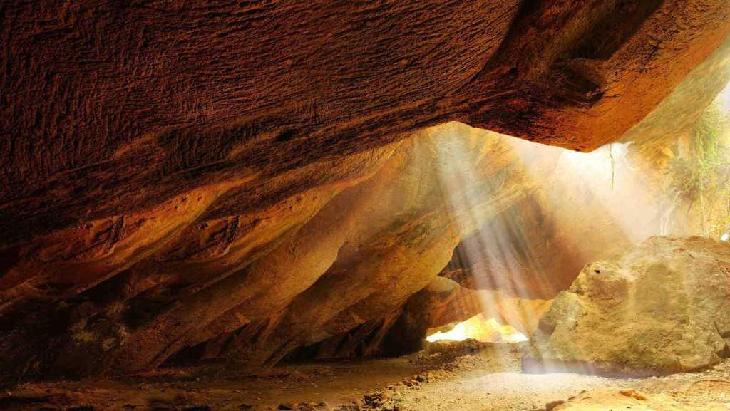 naida caves