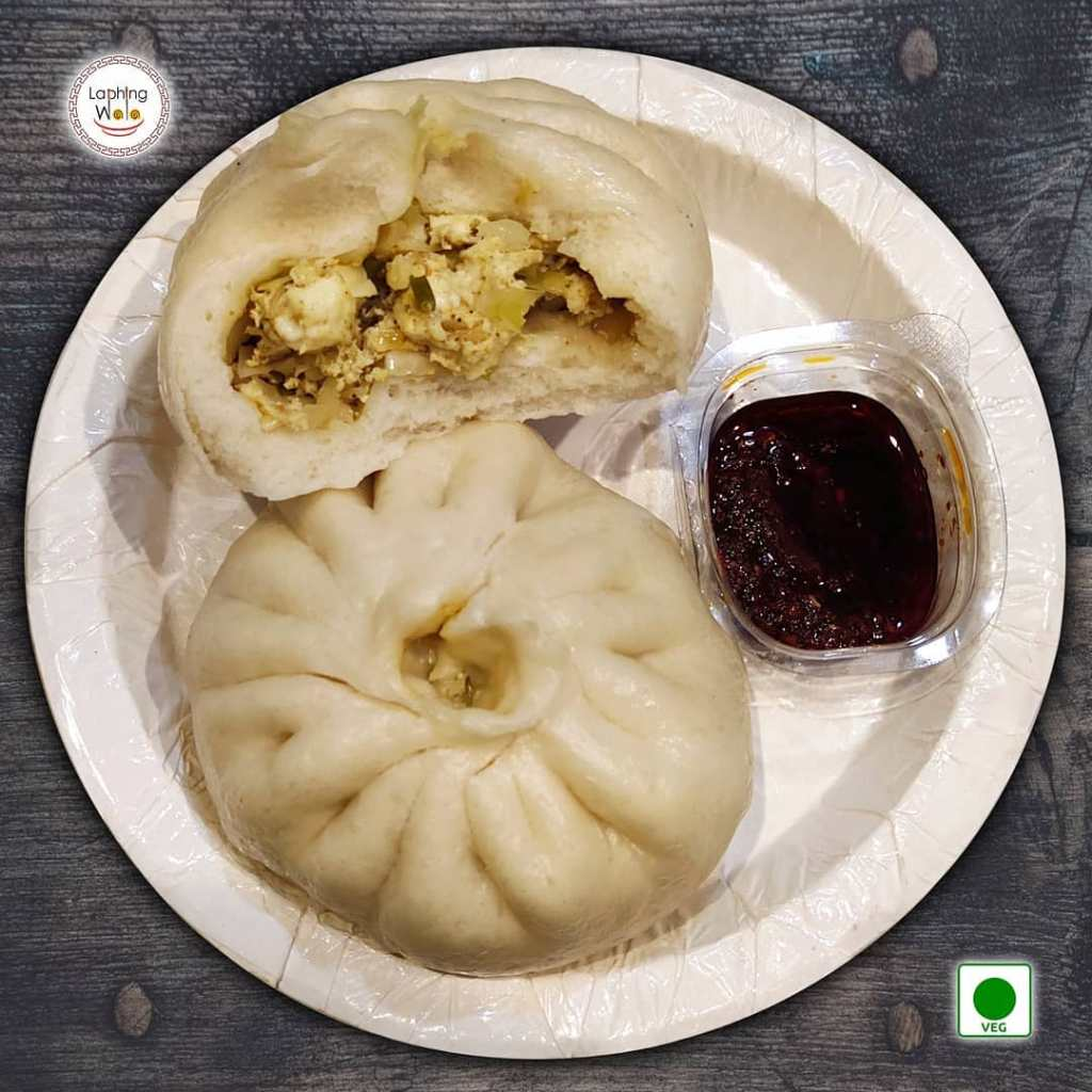 biggest and tastiest momos of Delhi and India at Laphing wala
