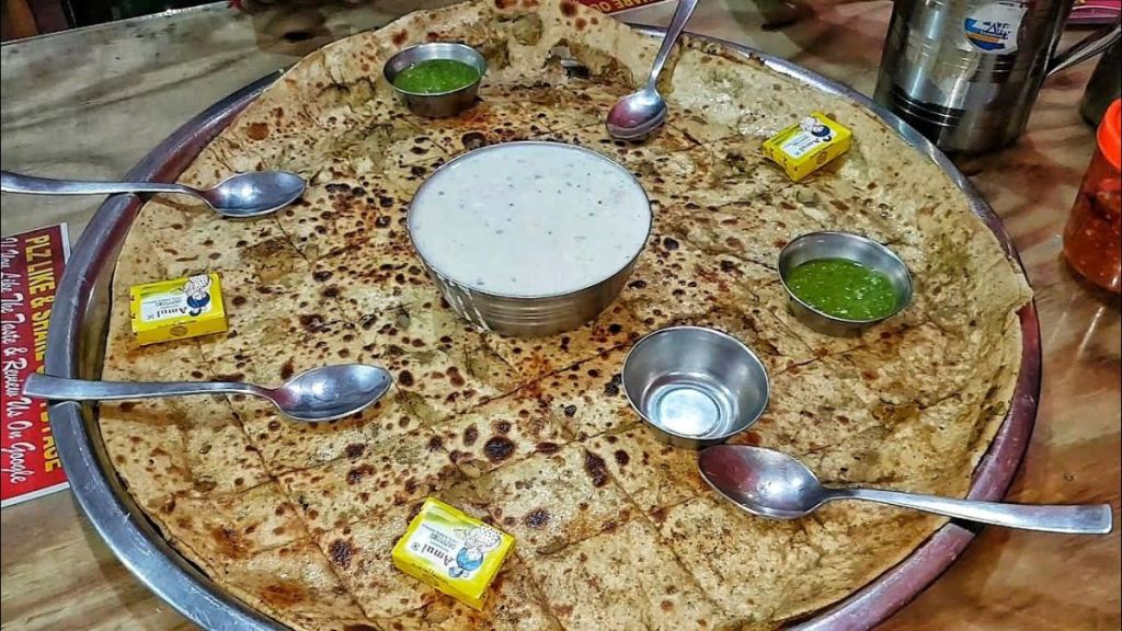 king size biggest paratha of India at Tapasya paratha
