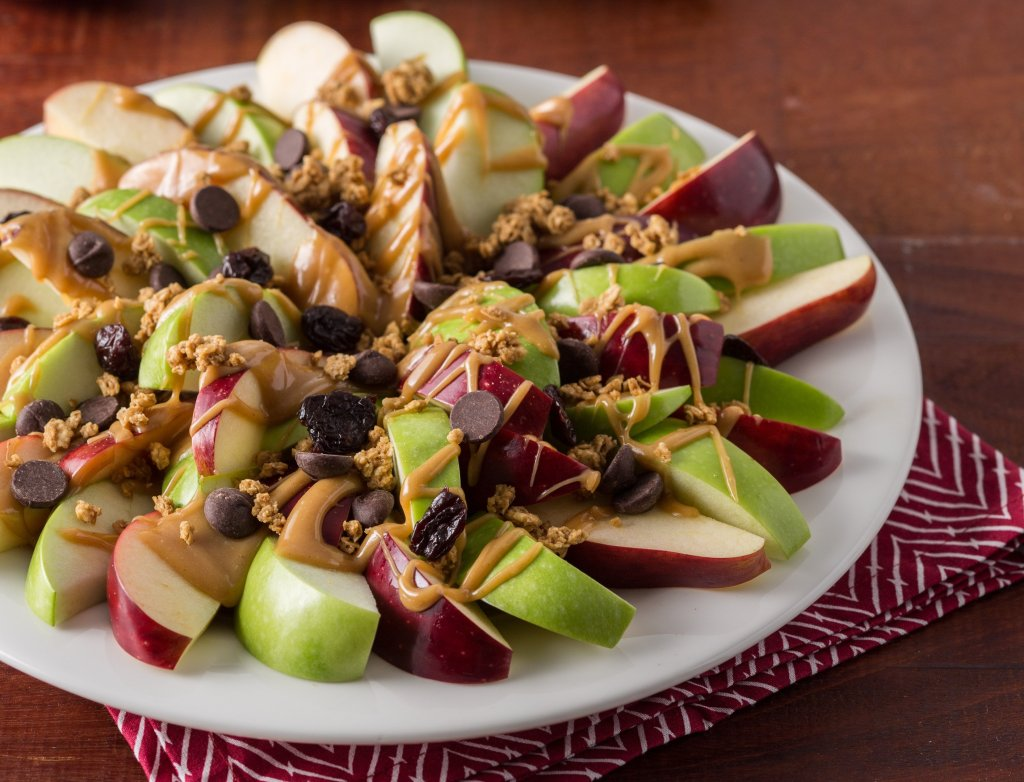 apple peanut butter nachos