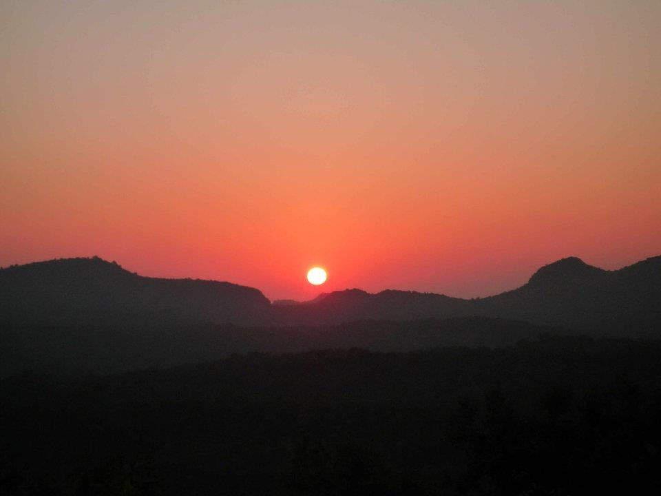 rajendra giri sunset point pachmarhi