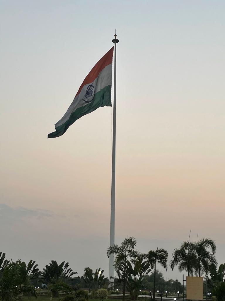 207 feet long flag in Kameshwar Mishra parkLucknow