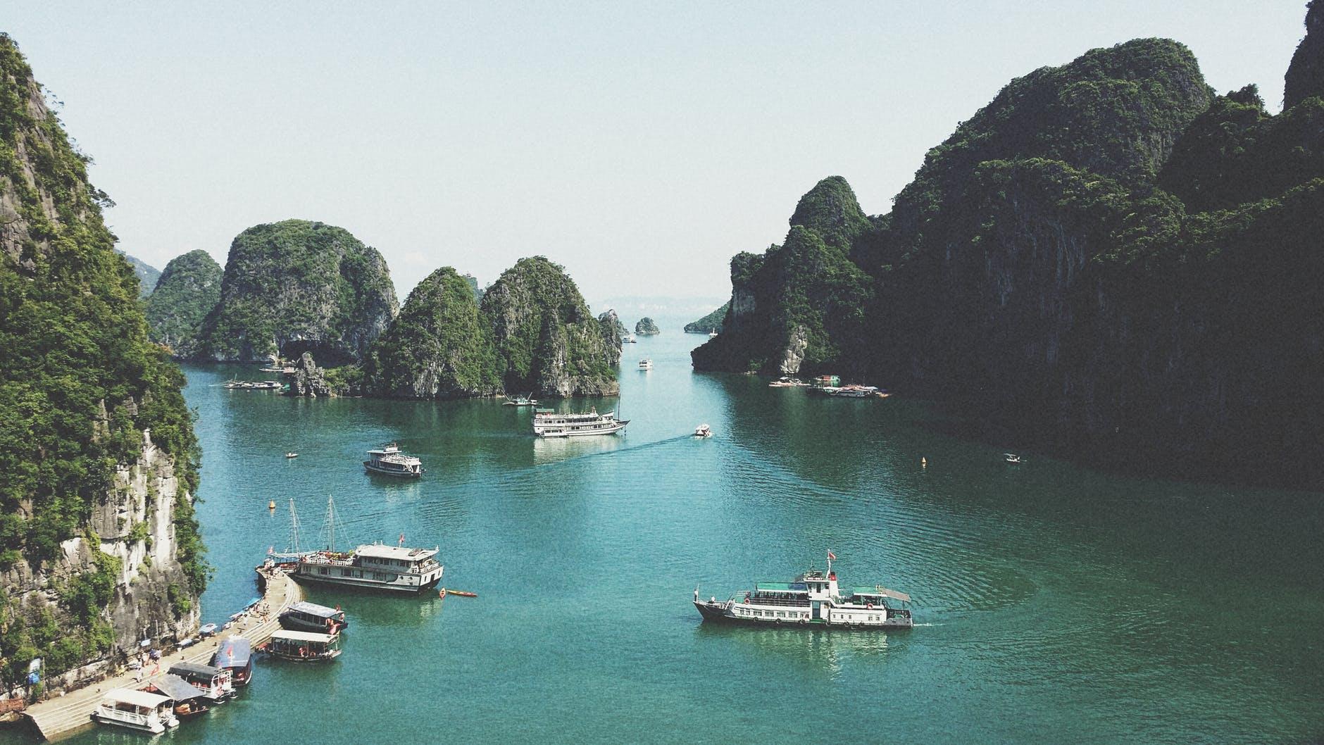 vietnam tour guide